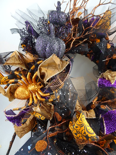 Halloween Rag Wreath Sept 2012 (12)