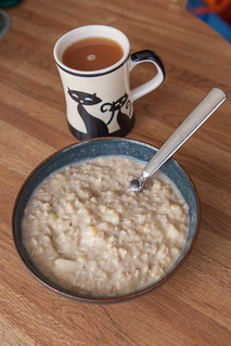 Oatmeal with tea
