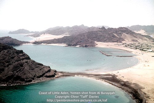 sea landscape coast scenery 1966 1967 yemen 1960s 1965 aden scannedslide onflickr ghadir gulfofaden arabianpeninsula littleaden adenharbour voigtländervitoc bureikabays alburayqah bandarshaykh