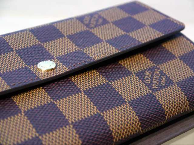 lv wallet close up