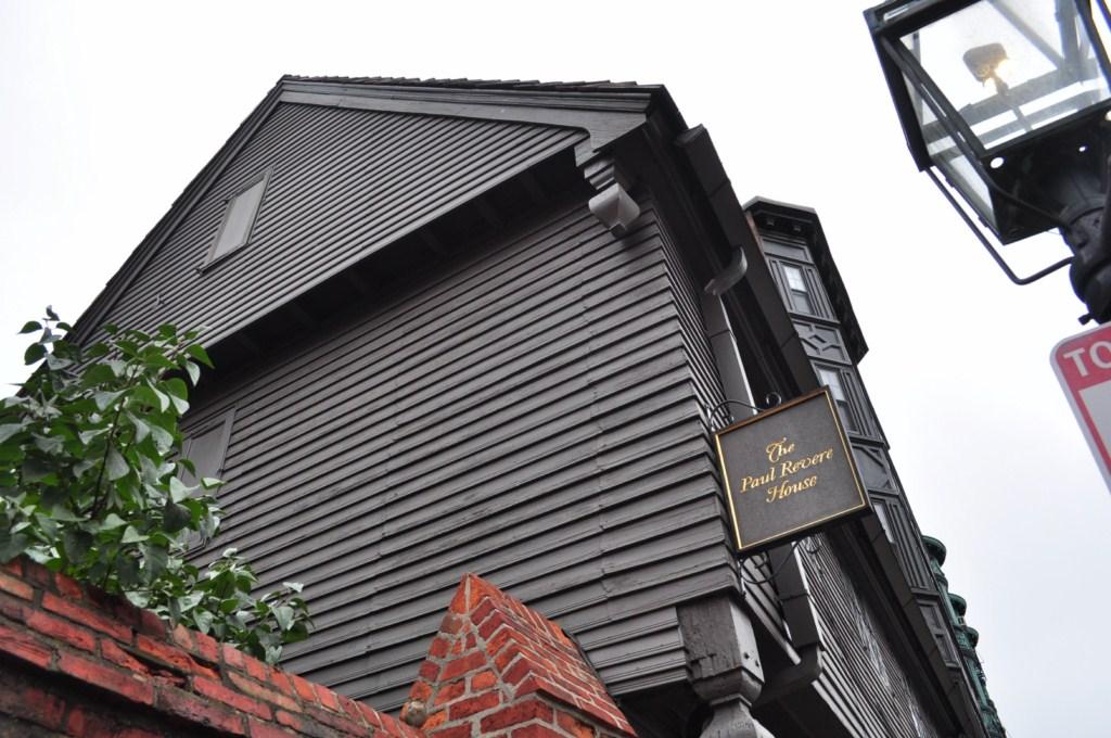 Originalmente construida en 1680, hoy en día es la casa más antigua del centro de Boston
