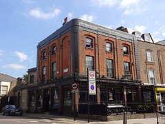 Picture of Shaftesbury Tavern, N19 3QN