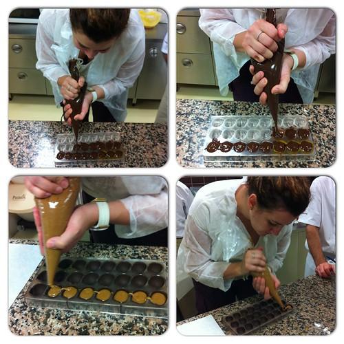 Çikolata yapıyorum..