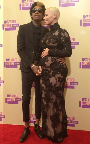 amber-rose-wiz-khalifa-pregnant-VMA-2012