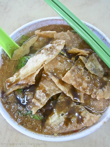 asam laksa with prawn fritter and shrimp paste R0018742 copy