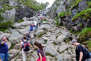 The steep hike up to Preikestolen