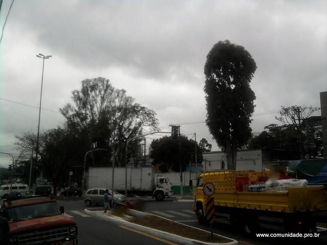 Semaforos desligados na travessia para o CEU Jaguaré