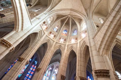 Visita a la Catedral de Santa María de Vitoria, abierta por obras
