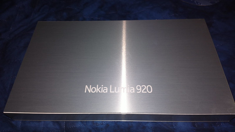 Lumia 920 Yellow Unboxing (Parts)