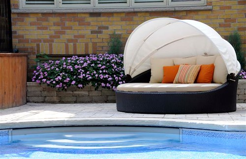 resin wicker outdoor daybed with canopy