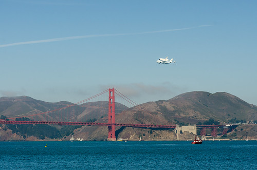 Shuttle Endeavour over the Golden Gate Bridge