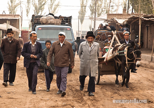 Uigurs al mercat de Kashgar