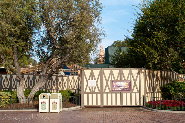 Disneyland - Fantasy Faire Construction
