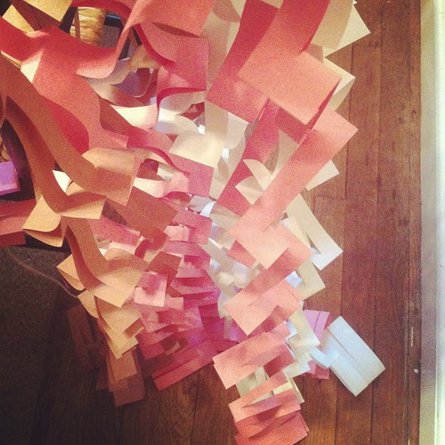 Barbie - paper streamers
