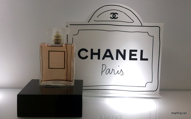 Chanel Beauty  Boutique window display