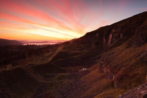 mist mountain wales sunrise dawn