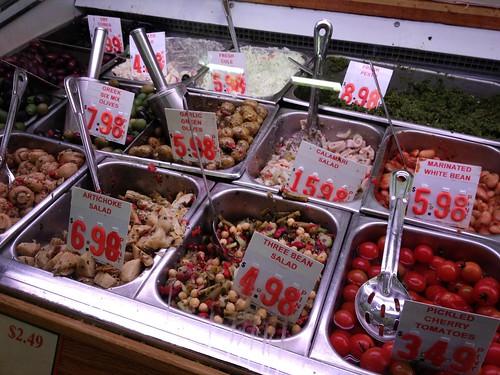 Olive-Salad-Bar-Luccas_5397