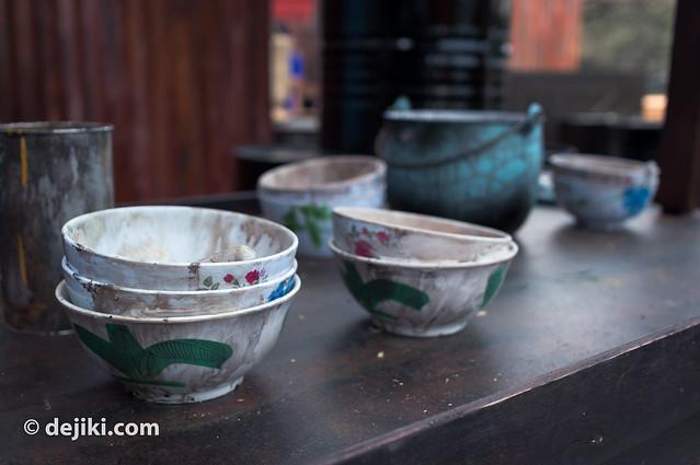 abandoned bowls