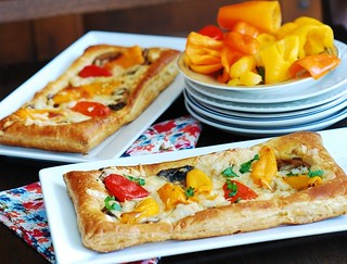 puff pastry pizza with mushrooms, bell peppers, cheese s2