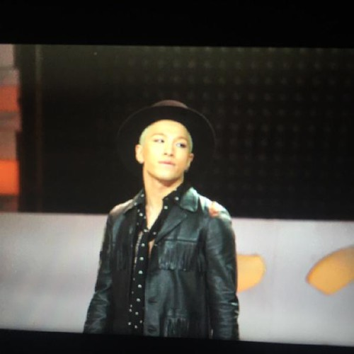 Taeyang-GoldenDisc-Awards-mainshow-20150114-Superyeol-4