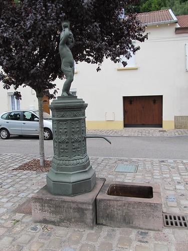 fontaine et monument raon l'etape 073