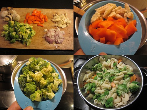 Pasta with Vegetables in White Sauce-step2