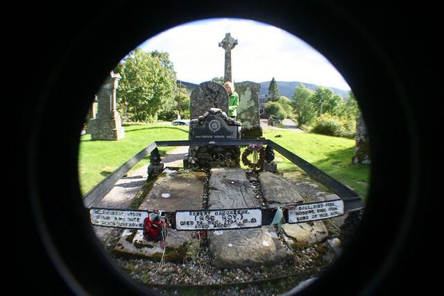 Rob Roy Burial, Balquhidder Church