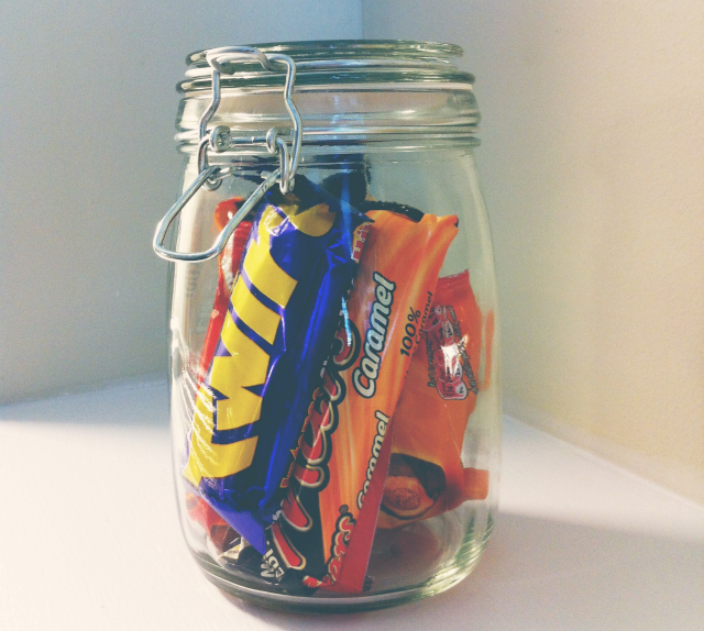 university room tour sweet jar kilner vivatramp.jpg