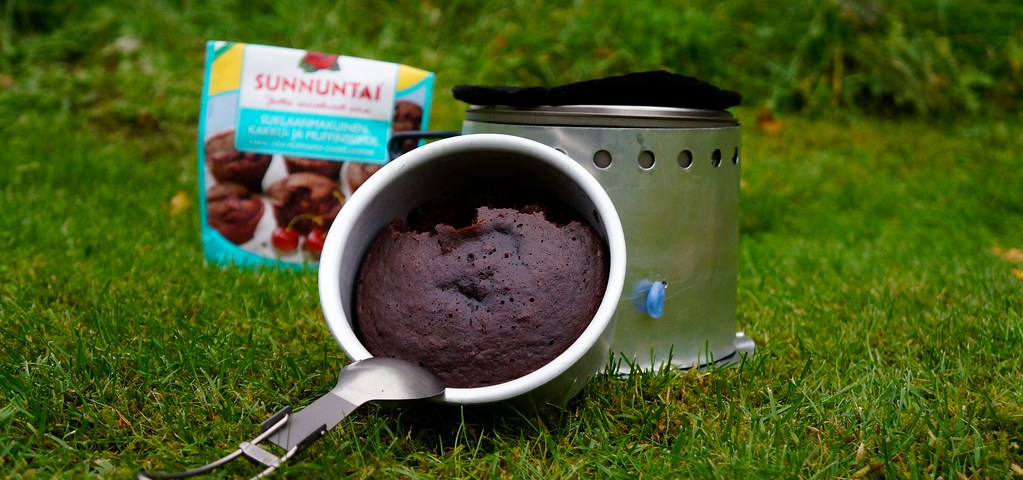Baking muffins outdoors