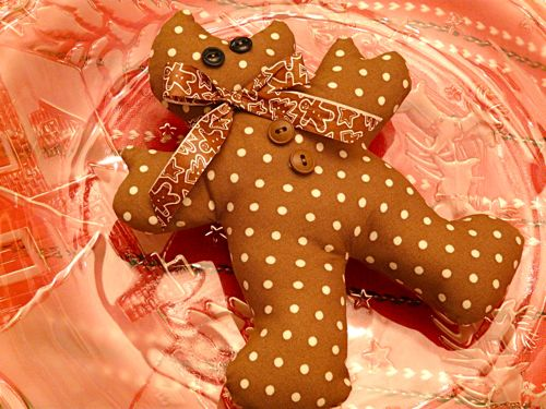 Soft sculpture gingerbread men from Christmas Crafts Scandinavian Style