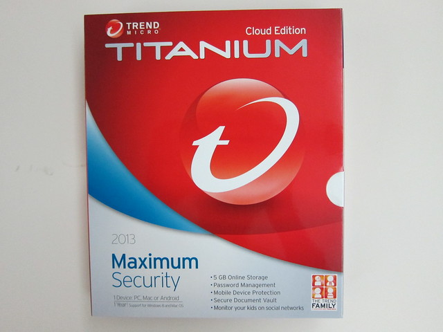 Trend Micro Titanium Maximum Security 2013 - Box Front