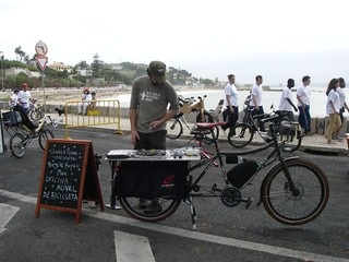 Bicycle Repair Man @ Marginal Sem Carros