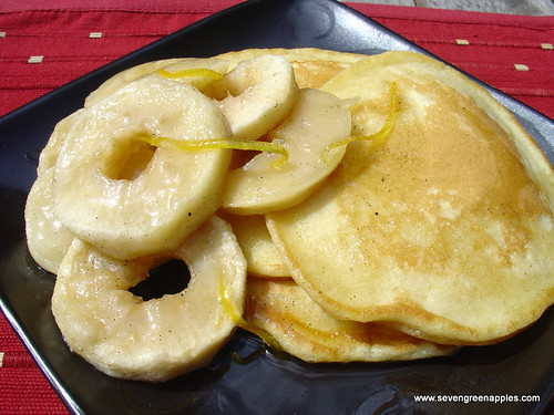 Baked Apple with Vanilla & Thyme