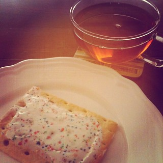 Pop Tart & Caramel Tea