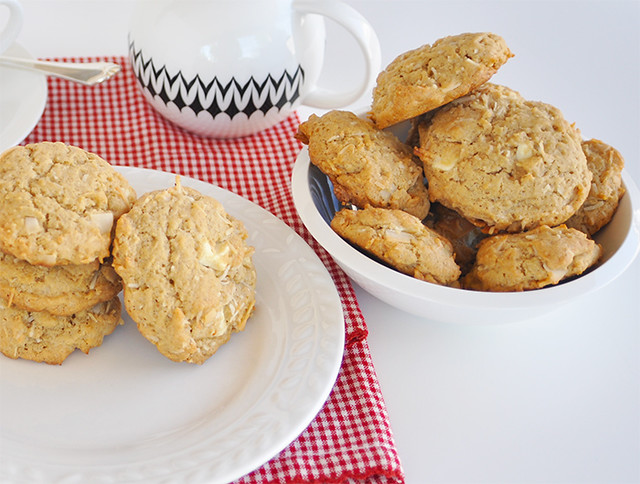 Roasted Coconut Chips-White Chocolate Cookies