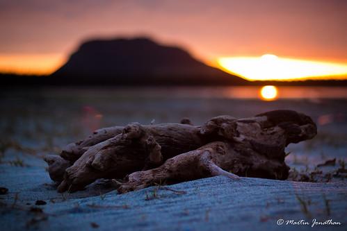 beach clouds sunrise canon 50mm sand driftwood tauranga 500d themount