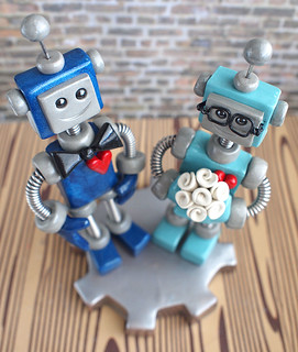 Commission: Robot Wedding Cake Topper: Shades of blue with a touch of nerdy cute