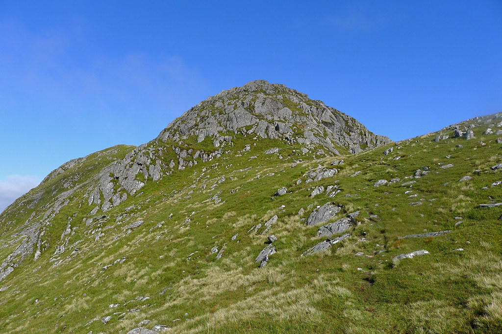 The east top of Luinne Bheinn