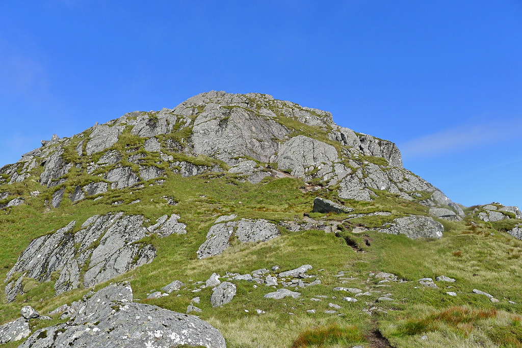 Scrambly-side of Luinne Bheinn's east top