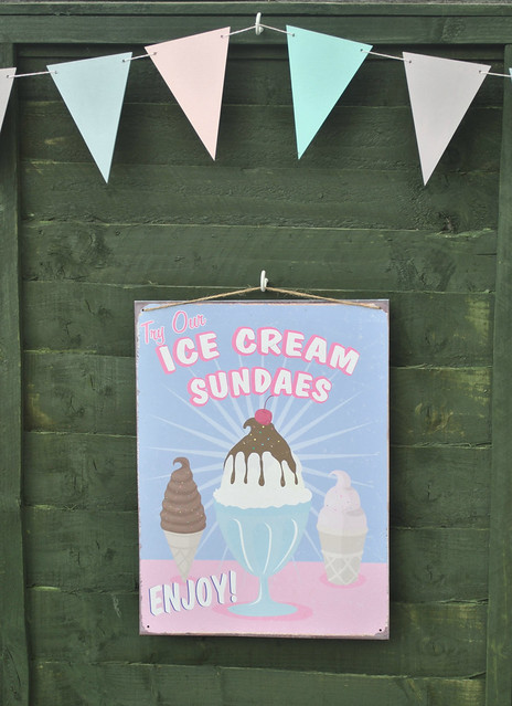 Ice Cream sundaes tin sign