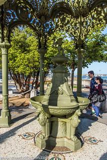 Kuva Queen Victoria Fountain lähellä Dún Laoghaire-Rathdown. ireland dublin fountain memorial europe sony victoria historic queen dunlaoghaire dublinstreets streetsofdublin infomatique nex7 memorialsinfomatique