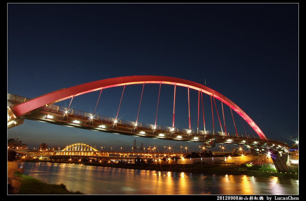 夜景習拍-彩虹橋