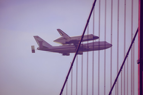a shuttle and its horseplane