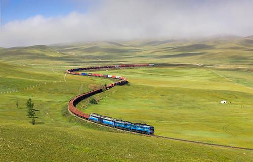 [フリー画像素材] 乗り物・交通, 電車・列車, 風景 - モンゴル国 ID:201209290000