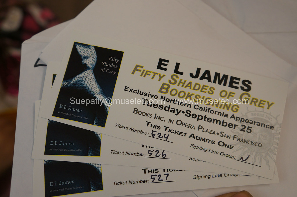 Something to Muse About: E L  James signing in San Francisco