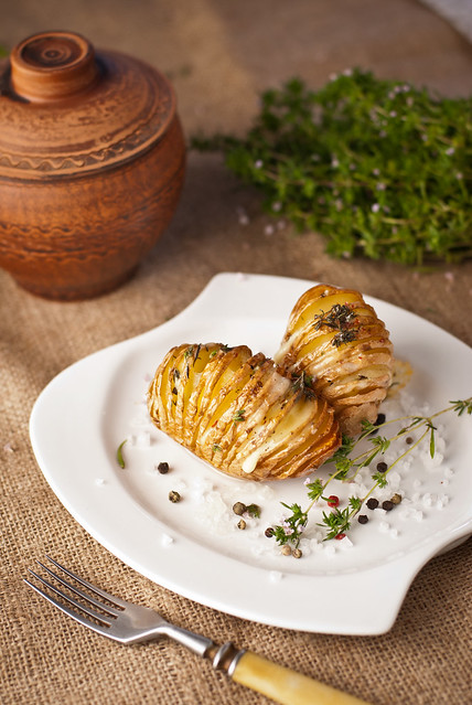 Картофель, запеченный гармошкой с сыром Селийский