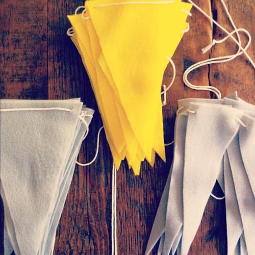 Getting crafty :: felt flag garlands