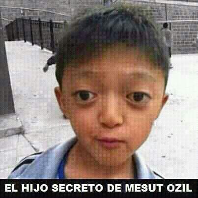 Foto hijo secreto Mesut Ozil