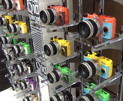 PENTAX Q10 color variation