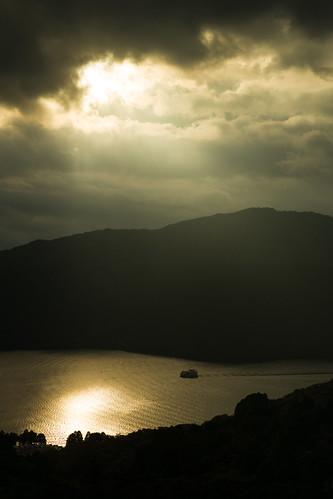 cloud sun lake japan boot see boat ship dramatic hakone ashinoko fujihakoneizu mygearandme mygearandmepremium mygearandmebronze mygearandmesilver